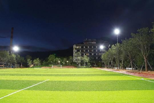 浅谈为什么LED体育照明系统用在足球场的优势